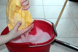 Una guida completa per organizzare al meglio le pulizie di casa