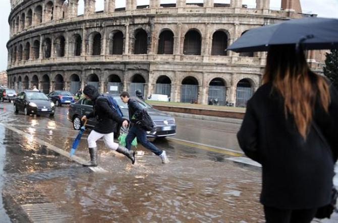 La storia si ripete: Roma di nuovo in tilt per colpa della pioggia