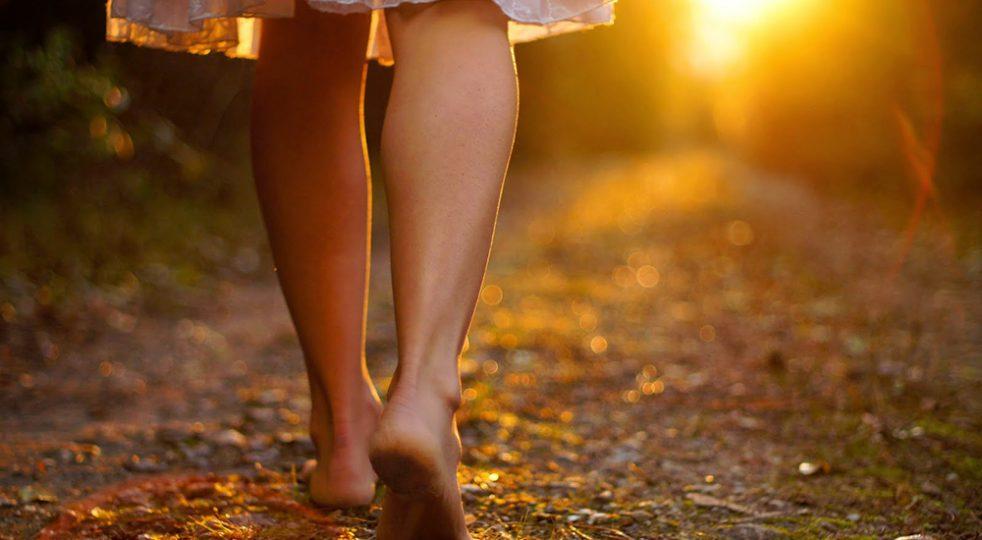 Sognate una vita a piedi scalzi? Essere infelici è una nostra scelta